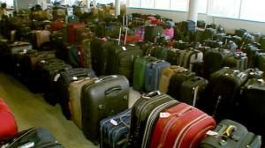 abc_miami_airport_luggage_jrs_120616_wg